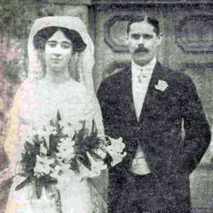 Miss Rosalind Watney and The Hon. Charles Lyell