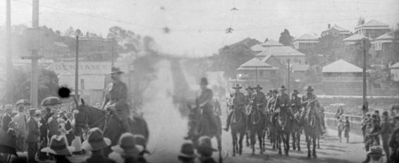 2nd Light Horse Regiment on parade in Brisbane, September 1914