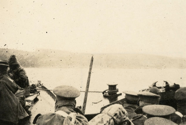 Men of the 2nd Light Horse Regiment approaching Anzac Cove, May 1915
