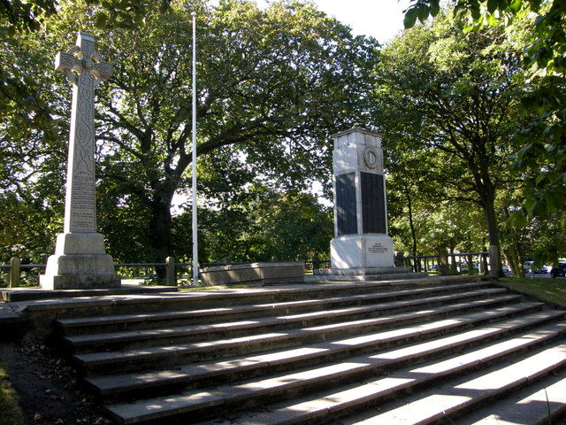 Blyth War Memorial - the First World War memorial is on the right, the Boer War memorial is on the left