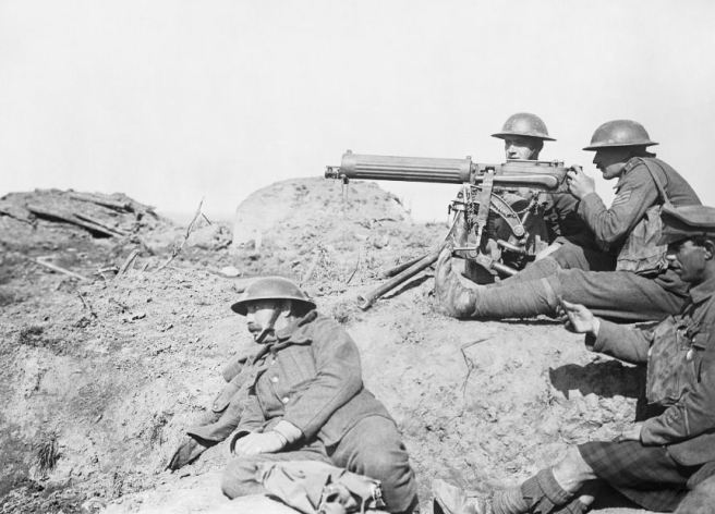 A Vickers machine gun team