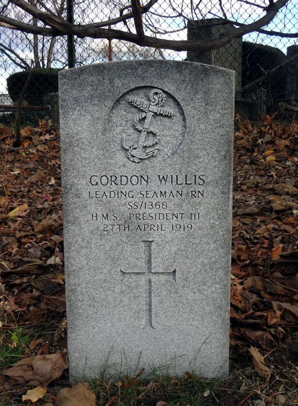 The grave of Leading Seaman Sam Gordon Wills, incorrectly engraved 'Willis'